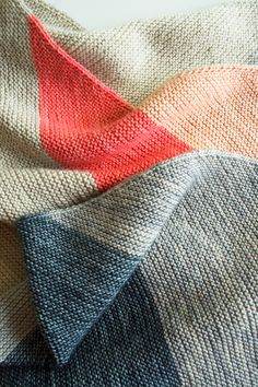 Laura's Loop: Colorblock Bias Blanket - The Purl Bee - Knitting Crochet Sewing Embroidery Crafts Patterns and Ideas! purled blanket, purl bee knitting, colorblock biasblanket, color schemes, color combos, purl bee blanket, craft patterns, blanket patterns, baby blankets