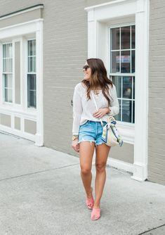 How to style a sweater with denim shorts /  Ft. Vince Camuto, Clare V., AGolde Denim Shorts