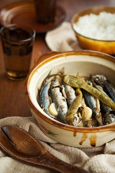 Paksiw (vinegared fish) is a classic Filipino recipe that's both healthy and delicious! Mom's recipe using tilapia filet: vinegar, soy sauce, ginger, onion, garlic, salt, pepper, olive oil, topped with celery and chicken bouillon (opt.) and jalapeño can add sweet chili sauce to make sweet and sour