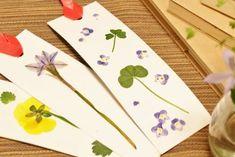 今回は牛乳パックで作る「押し花しおり」の作り方をご紹介します。ノリやボンドを使わなくても、アイロンで花を牛乳パックに押し付けるだけで、できちゃうんです。旅先の思い出の植物や、春は桜の花びら、秋には紅葉した葉を押し花にしてもきれいですね。