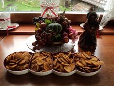 Slané krekry (fotorecept) - recept | Varecha.sk Ale, Stuffed Mushrooms, Snacks, Vegetables, Food, Basket, Tapas Food, Appetizers, Meal