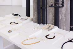 POP UP! Galerie des Galeries Pop up store by Julie Pfligersdorffer store design