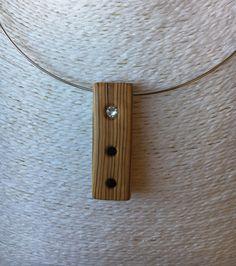 Colgante de madera de olivo con cristales Swarovski