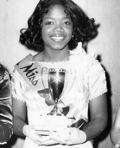"Seventeen year-old Oprah Winfrey shows off her trophy ""Miss Fire safety"" in her hometown of Nashville in Black Girls Rock, Black Girl Magic, Pageant Girls, Vintage Black Glamour, Black History Facts, My Black Is Beautiful, Beautiful People, We Are The World, African American Women"