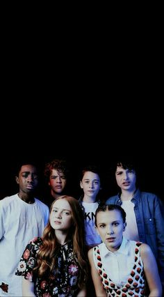 Image shared by L í a. Find images and videos about wallpaper, netflix and stranger things on We Heart It - the app to get lost in what you love. Stranger Things Tumblr, Stranger Things Aesthetic, Stranger Things Funny, Stranger Things Season, Stranger Things Netflix, Millie Bobby Brown, Tv Series, Fangirl, It Cast