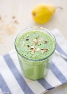 Apple Pear Spinach Oat Pecan Green Smoothie