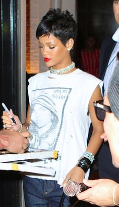 Rihanna pixie hair mtv vmas 2013