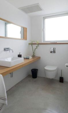 You can still change your bathroom look, even using the littlest amount of money that you have. The only way to solve it, you can use the concrete bathroom flooring Bathroom Renos, Laundry In Bathroom, Basement Bathroom, Bathroom Interior, Small Bathroom, White Bathrooms, Ada Bathroom, Bathroom Marble, Light Bathroom