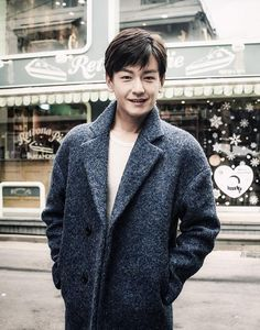 Im Joo-hwan (Oh My Ghostess) may have tapped into his darker side in his last drama, but he's looking to return to his nicer boy-next-door side for his (potential) next project, KBS's Lightly, Ardently, alongside previously cast Kim Woo-bin (Heirs) and Suzy (Gu Family Book). Current reports are that he received the offer and is …