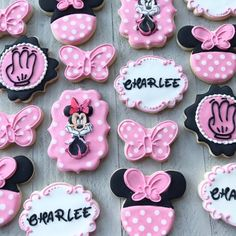 Mini Mouse Cookies, Disney Cookies, Crazy Cookies, Mickey Y Minnie, Minnie Mouse Pink, Minnie Mouse Party, Mini Mouse First Birthday, First Birthday Cookies, Minnie Mouse Birthday Invitations