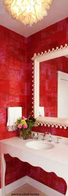 Decorating in Red ❤ Red Home Decor, Black Decor, White Bedroom, Dream Bedroom, Red Rooms, Interior Decorating, Interior Design, White Cottage, Wall Treatments
