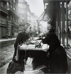 Louis Stettner - Conversation, Paris, 1952