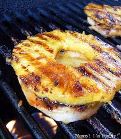 Honey Grilled Pork Chops 4 pork chops 8 oz can sliced pineapple in juice (but fresh is so much better, and just puree some of the pineapple for juice) Cup honey 1 Tbl. Grilling Recipes, Pork Recipes, Cooking Recipes, Diabetic Recipes, Grilling Ideas, Yummy Recipes, Recipies, Honey Recipes, Sauce Recipes