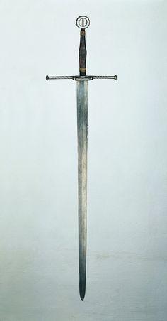 """Schwert [Thüringer Landesmuseum Heidecksburg] 2nd half 15thC, prob. Italian. Das Schwert gehört zu dem historisch gewachsenen Bestand des """"Schwarzburger Zeughauses""""."""