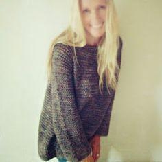 Skappel-inspirert genser - med raglanfelling ! Dette er en genser nesten helt uten sømmer, kun sydd under ermene :) Deilig for en som ...