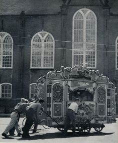 Amsterdam,Spui draaiorgel 1957