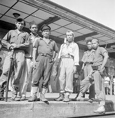 Arek - arek Suroboyo 1945 (Kumpulan Foto Perang Kemerdekaan Indonesia | Pojok Militer)