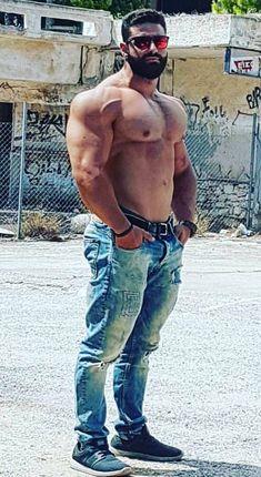 Muscle Hunks, Muscle Man, Husband Best Friend, Male Chest, Beefy Men, Big Muscles, Muscular Men, Shirtless Men, Hairy Men