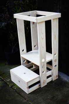 Learn how to build a DIY Toddler Step Stool with Guard Rail. Check out these step-by-step instructions with pictures and printable PDFs. Toddler Kitchen Stool, Kitchen Step Stool, Kitchen Stools, Step Stool For Kids, Diy Stool, Bois Diy, Diy Furniture Plans Wood Projects, Diy Kids Furniture, Woodworking Projects