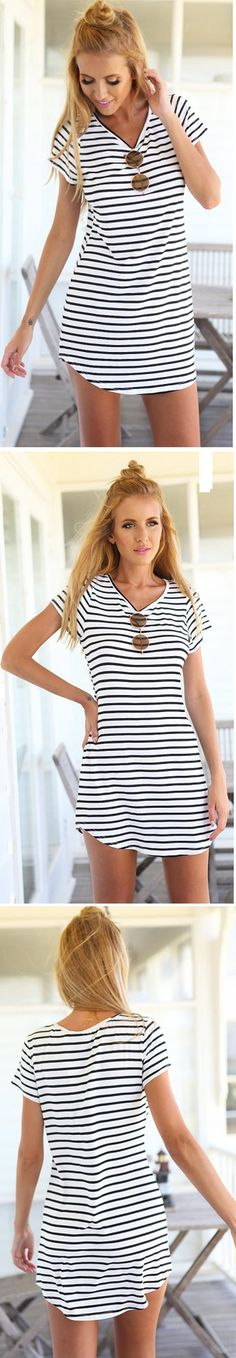 We never go out of style with stripes. This dress would be your best choice. Tap this picture, then you will find what you want at CUPSHE.com