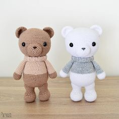 ***THIS IS A CROCHET PATTERN, NOT THE ACTUAL TOY*** English Pattern Only. This pattern uses US Crochet Terms. The file contains a chart to show the conversions to UK Crochet Terms. Make your own Xander the Lovely Winter Bear with this CROCHET PATTERN. The pattern includes