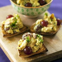 Sweet grapes, crunchy almonds and curry powder give this chicken salad recipe an extra dose of flavor. Curry Chicken Salad With Grapes Recipe, Chicken Curry Salad, Chicken Salad Recipes, Paleo Picnic, Picnic Foods, Picnic Recipes, Almond Farm, Grape Recipes, Summer Recipes