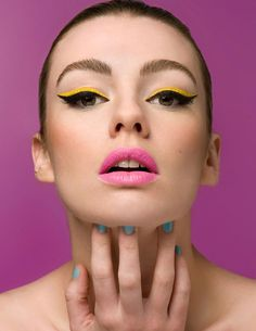 How empty seems a makeup without eyeliner? When applied properly, fashion hit eyeliner changes the overall impression of your face immediately. Makeup Trends, Beauty Trends, Makeup Tips, Beauty Makeup, Beauty Hacks, Hair Beauty, Makeup Ideas, Makeup Tutorials, Beauty Tips
