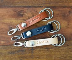 Custom Keychain Christmas Gift, Personalized Leather Keychain, clip leather keychain, Monogrammed keyring, Gift for Him or Her, style 2018 Christmas Gifts For Him, Homemade Christmas Gifts, Diy Christmas, Keychain Clip, Leather Keychain, Monogram Gifts, Cow Leather, Leather Working, Valentine Gifts