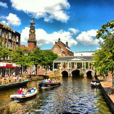 Leiden, Nieuwe Rijn (The Netherlands)