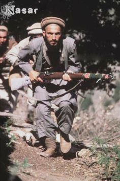 Afghan guerrilla with Lee Enfield MK III rifle, pin by Paolo Marzioli