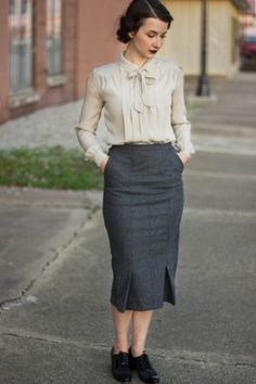 Sassy Sparrow: Before and After: 40's Style Wool Skirt