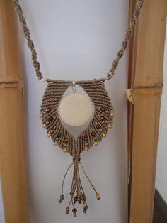 collier pendentif micro macramé antique brown : Collier par les-creations-du-sud
