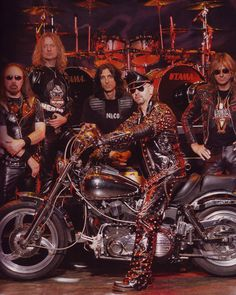 Judas Priest Heavy Metal Girl, Heavy Rock, 80s Hair Metal, Rob Halford, Defender Of The Faith, Goth Music, Judas Priest, Punk, Metallica