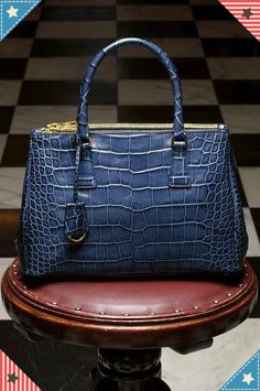 14620b09eeb8d Awesome Chanel handbags or Chanel small handbag then Look at website above  simply click the grey