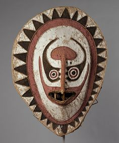 Eharo Mask. Early 20th century. Elema people, Orokolo village, eastern Papuan Gulf region, Papua New Guinea. Barkcloth, cane, paint. 95.9 cm high. The Michael C. Rockefeller Memorial Collection, Gift of Nelson A. Rockefeller, 1972 (1978.412.725) // http://www.metmuseum.org/toah/works-of-art/1978.412.725