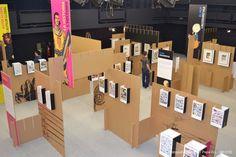 Paredes de cartón para exponer piezas de papel en el Festival Internacional del Cómic de Angoulême.