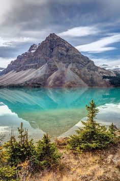 Turquoise reflection at Bow Lake, Banff National Park, Alberta, Canada