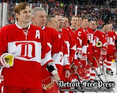 Detroit Red Wing alumni Sergei Fedorov and other alumni line up for the national anthem to start the second game at the Alumni Showdown between the Detroit Red Wings and Toronto Detroit Hockey, Detroit Sports, Hot Hockey Players, Hockey Teams, Hockey Stuff, Sports Teams, Ice Hockey, Detroit Vs Everybody, Red Wings Hockey