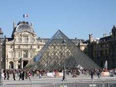 Old and new. THE LOUVRE