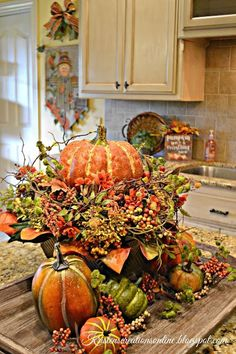 Kristen's Creations: Fall In The Kitchen Fall Kitchen Decor, Fall Home Decor, Diy Kitchen, Fall Arrangements, Autumn Decorating, Thanksgiving Decorations, Thanksgiving Table, Christmas Tables, Holiday Tables