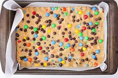 These M&M's cookie bars are crisp on the outside, and warm and gooey in the middle. They're loaded with chocolate chips and M&M candies, and so delicious! M M Cookies, Cookies Et Biscuits, Giant Cookies, Cookie Bars, Cookie Dough, Salted Butter, Shortbread, Quick Easy Meals, Food And Drink