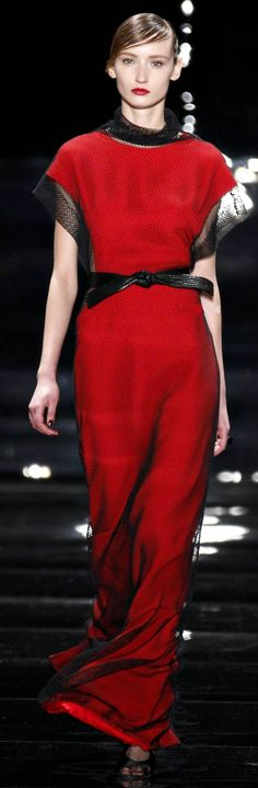 *.* Reem Acra - black & red