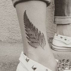 Dotwork fern on ankle by Jakub Nowicz