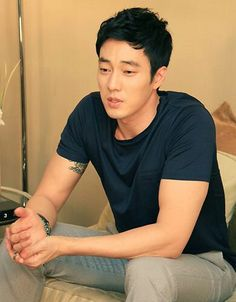 azzurrithings:   so ji sub  Love this picture!