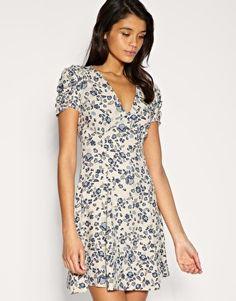 Perfect floral tea dress