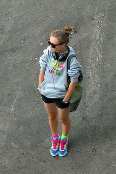 Adidas Sweater, Nici Bag, Adidas Sneakers, H&M Eyewear, My Hand Made Shorts