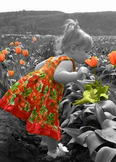 Love adding color to black and white photos.Being deeply loved by someone gives…ღϠ₡ღ✻↞❁✦彡●⊱❊⊰✦❁ ڿڰۣ❁ ℓα-ℓα-ℓα вσηηє νιє ♡༺✿༻♡·✳︎· ❀‿ ❀ ·✳︎· WED Aug 2016 ✨ gυяυ ✤ॐ ✧⚜✧ ❦♥⭐♢∘❃♦♡❊ нανє α ηι¢є ∂αу ❊ღ༺✿༻♡♥♫ ~*~ ♪ ♥✫❁✦⊱❊⊰●彡✦❁↠ ஜℓvஜ Precious Children, Beautiful Children, Beautiful Babies, Baby Kind, Baby Love, Color Splash, Color Pop, Cute Kids, Cute Babies