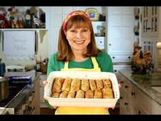 "Jenny Jones shows her simple recipe for delicious & healthy Cabbage Rolls ( Polish Gołąbki ) stuffed with rice, ground sirloin, mushrooms, and tomato. ""I gre. Cabbage Rolls Polish, Cabbage Rolls Recipe, Cabbage Recipes, Beef Recipes, Cooking Recipes, Healthy Recipes, Uk Recipes, Recipies, Cooked Cabbage"