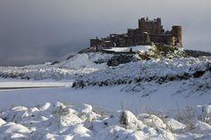 Google Image Result for http://i.telegraph.co.uk/multimedia/archive/01791/bamburgh-castle_1791360i.jpg