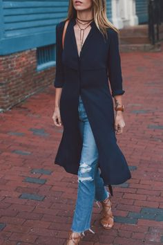 Jess Kirby shares tips on how to style the AYR trench dress for fall. Abaya Fashion, Kimono Fashion, Trendy Outfits, Cute Outfits, Fashion Outfits, Beautiful Outfits, Dress Over Pants, Trench Dress, Dressy Dresses